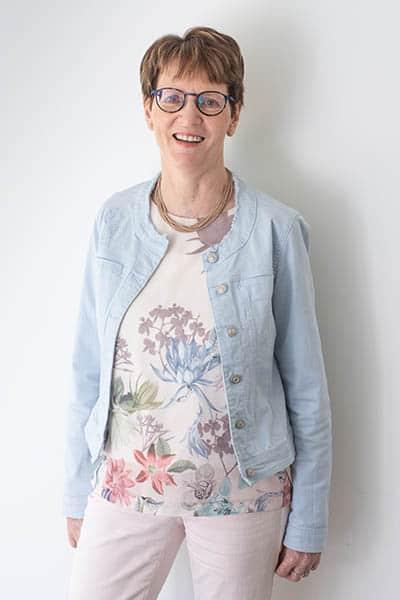Brigitte De Clercq , Dossiersbeheerder bij Warfid Waregem