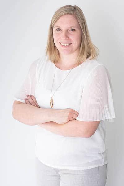 Emilia Vervaeke , Dossierbeheerder bij Warfid Waregem